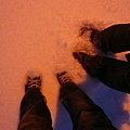 腳底很冰,但還是忍不住要說雪很可愛~