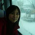 遊覽車上跟雪景自拍