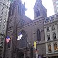 聖湯瑪士教堂,也在第五大道上,只是比較小間