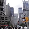 紐約中城附近太多高樓了,不喜歡陽光被擋住的感覺