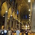 這是間遊客眾多的教堂