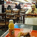 午餐,美國很多這種自助餐店,都秤重算價錢