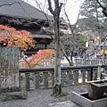 右上方是有名的地主神社