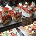 天天都要吃一個,所以今天是買聖誕老公公草莓塔,超~好~吃!