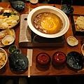 晚餐吃火鍋+親子丼,好吃但火鍋沒什麼料也好貴