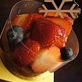 水果派完是草莓塔...完全甜食愛好者啊我^^