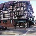 這裡的房子都像童話世界,普林斯頓大學旁商店街