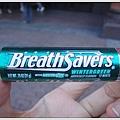 長的很像電池的糖,吃起來像在吃牙膏,嚇誰啊~