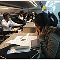 來的時候紐約在下雨所以路上塞車,我們到機場的時候飛機就飛走了....阿姐打電話改機票中