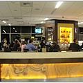 舊金山國內線,裡面比國際線還好,有好多喝酒跟吃飯的地方