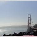 這種天氣是舊金山特有的,天氣很好但就是會有一陣霧似的