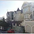 每一間都長的不一樣的房子