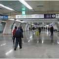 1599229497-從金浦搭機場地鐵.jpg