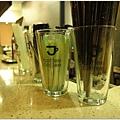 1678021281-透明杯也有印上logo.jpg