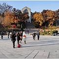 美麗的梨大校園,這一區總是會有觀光客來這拍照取景