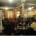 前面那桌韓國女生好會點,他們的肉真的多到要滿出來了