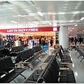 一眼望穿的金浦機場候機室