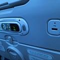 早知道帶USB上機,大韓跟華航的都可以用USB充電耶!