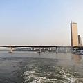 從漢江上看63大廈