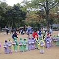 今天剛好有好多小朋友來校外教學,整場韓文飛來飛去啊