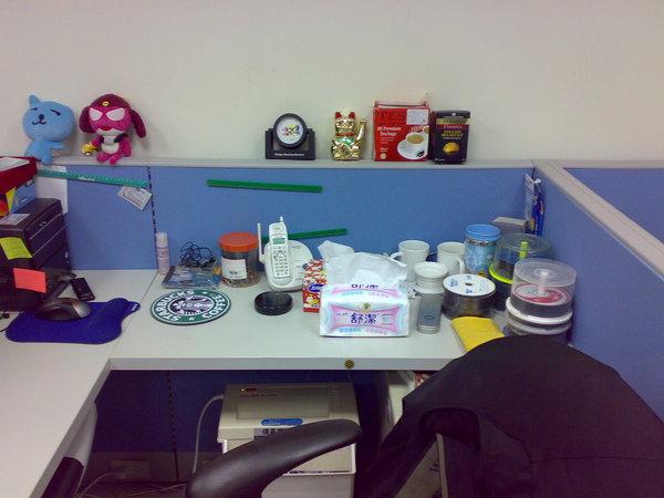 最後一張,來看看我桌邊的玩具