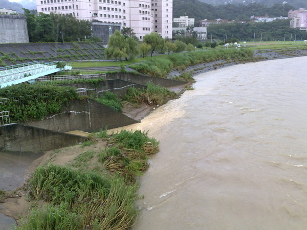 颱風天的景美溪(三)