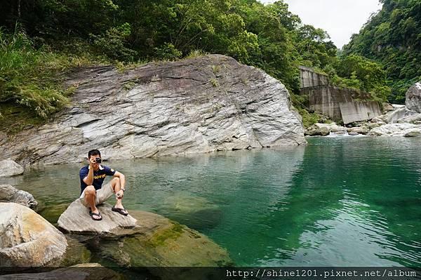慕谷慕魚玩水趣
