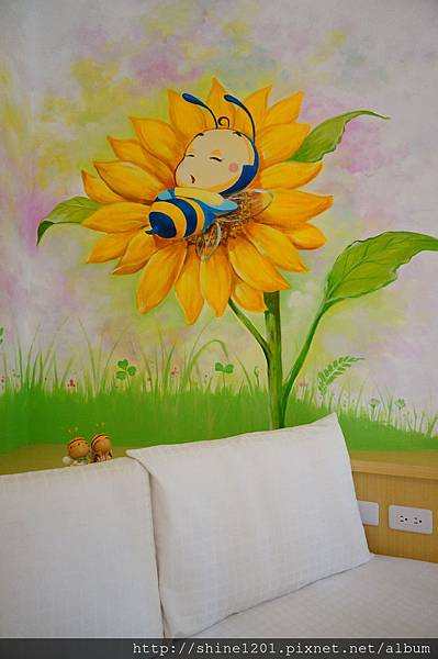 小琉球民宿 白燈樓旅宿 【蜜蜂雙人房+貝殼雙人房】小琉球地中海風7-11地標