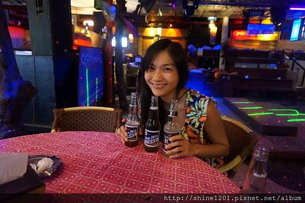長灘島夜店(一號碼頭)COCOMANGAS SHOOTER BAR體驗菲式夜生活