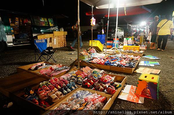 台東關山鎮夜市 (好吃的東山鴨頭、石板豬肉)