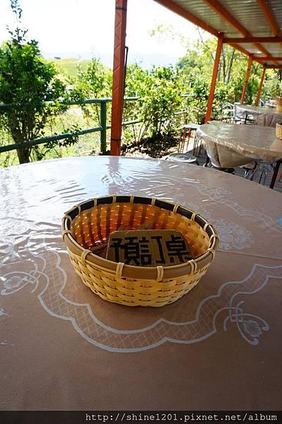 六十石山美食-  鐵掌櫃茶舍金針花風味套餐