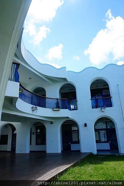 台東人氣景點-豐源國小,地中海風建築的小學