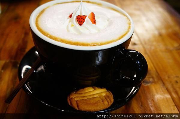 美好年代下午茶 【珍珠奶茶鬆餅塔】、【經典OREO鬆餅塔】、【燕尾服摩卡】