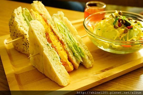 板橋早午餐 奈野咖啡 【NaiYe Brunch Cafe】