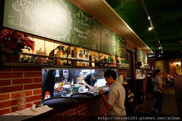 【義磚義瓦義式餐廳】府中站、忠孝敦化站義大利麵餐廳