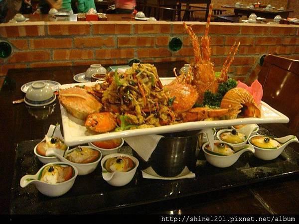 【宜蘭特色餐廳推薦】 駿懷舊主題餐廳❤宜蘭古早味年菜餐廳推薦