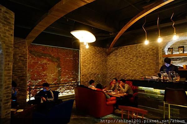 【東區餐酒館推薦】Closet Restaurant & Bar 忠孝敦化站質感酒吧餐館