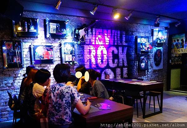 東區酒吧餐廳 黑風寨 忠孝敦化站明星開的店 台客電力公司酒吧 東區餐酒館