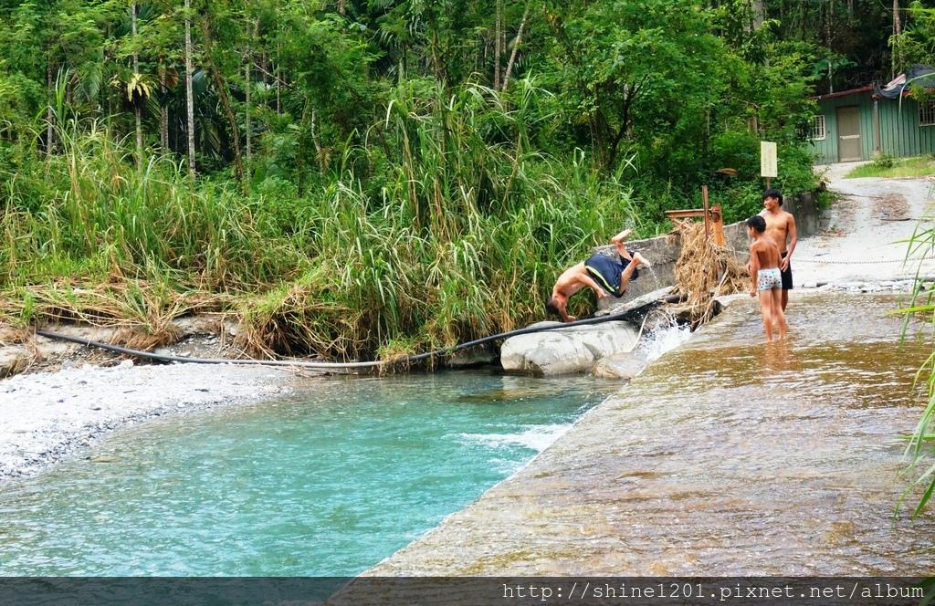 花蓮旅遊景點 米亞丸溪 鯉魚潭周邊親子旅遊景點踏溪戲水  花蓮玩水