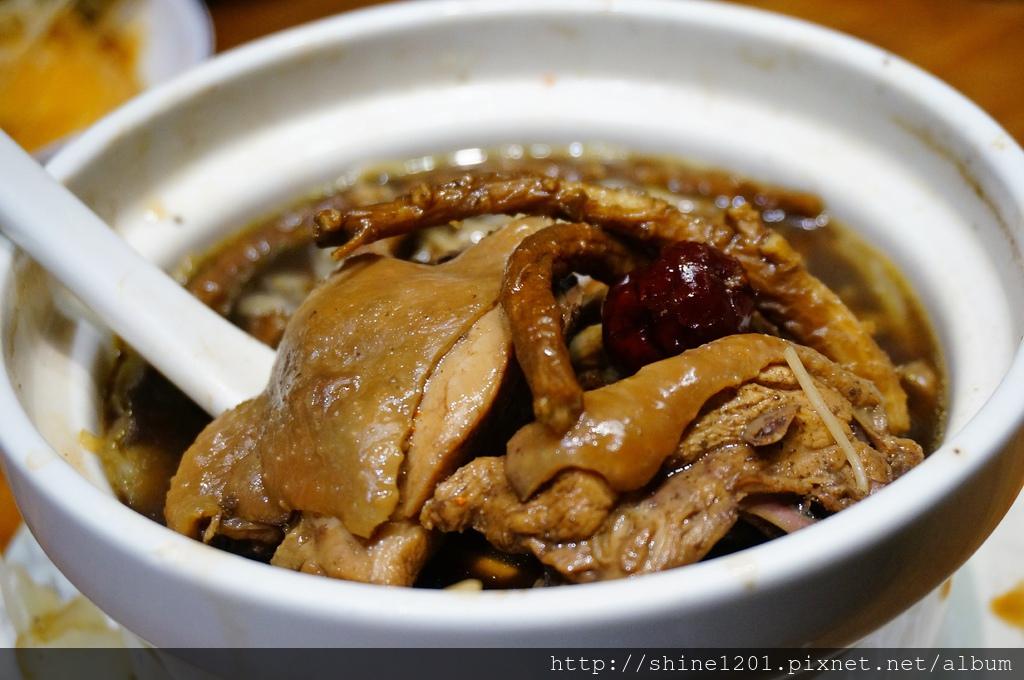 中正區美食 雙月食品社 善導寺站美食 台北麻油雞 何首烏雞湯 補湯