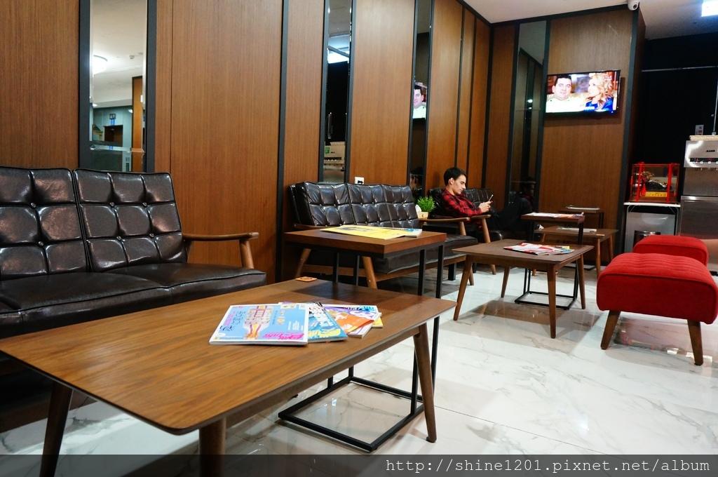 板橋住宿旅館 原宿膠囊旅館.板橋府中站捷運附近住宿