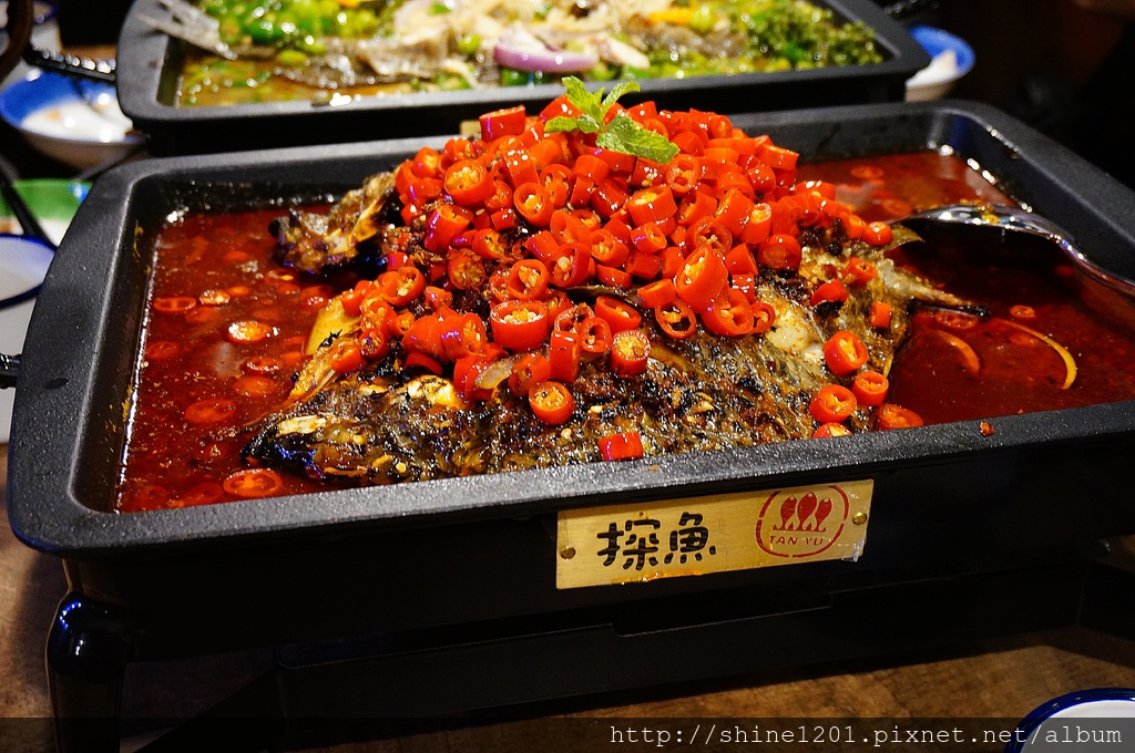 台中麻辣美食 探魚.像在小酒館裡品重慶川菜.溫和嗜辣推薦