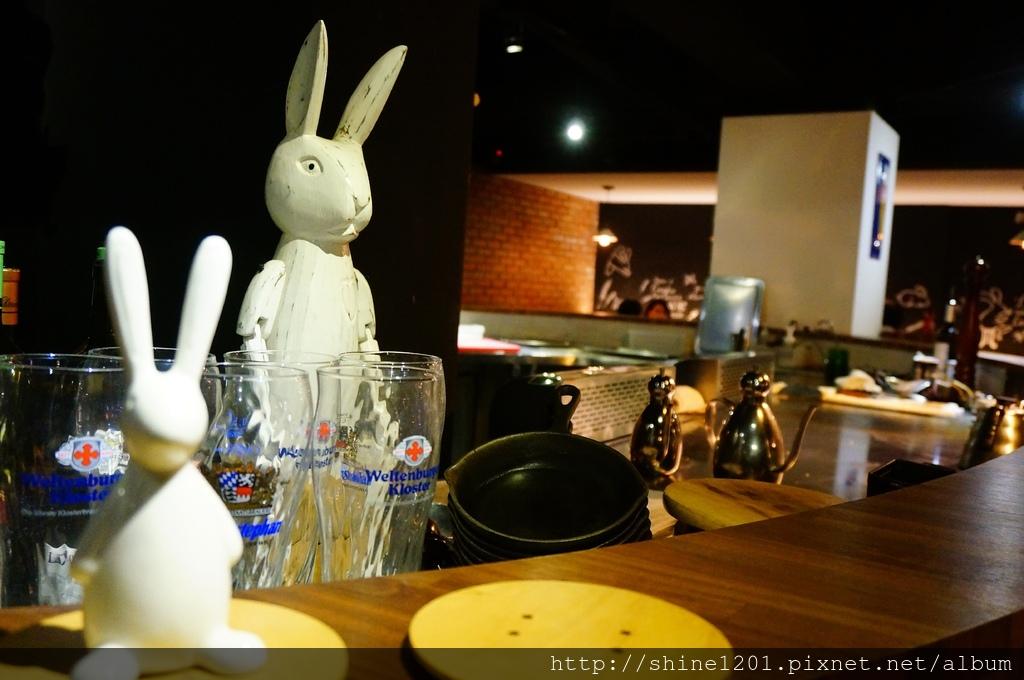 中山區行天宮站美食-兔卡蕾餐酒館