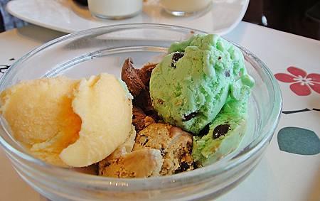 老爺自製冰淇淋