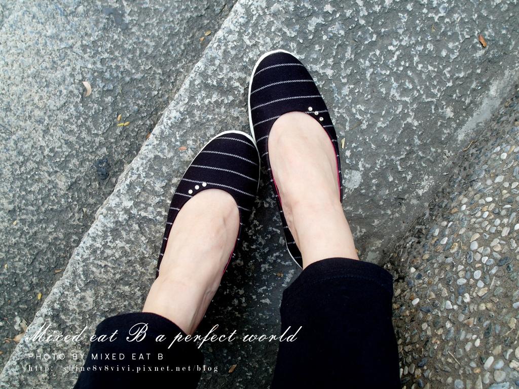 MonaSmile蒙娜微笑_鑽飾條紋厚底娃娃鞋-1-18