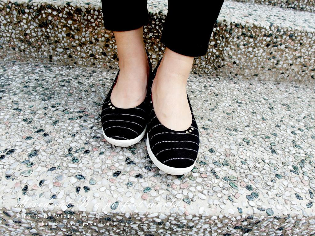 MonaSmile蒙娜微笑_鑽飾條紋厚底娃娃鞋-1-22