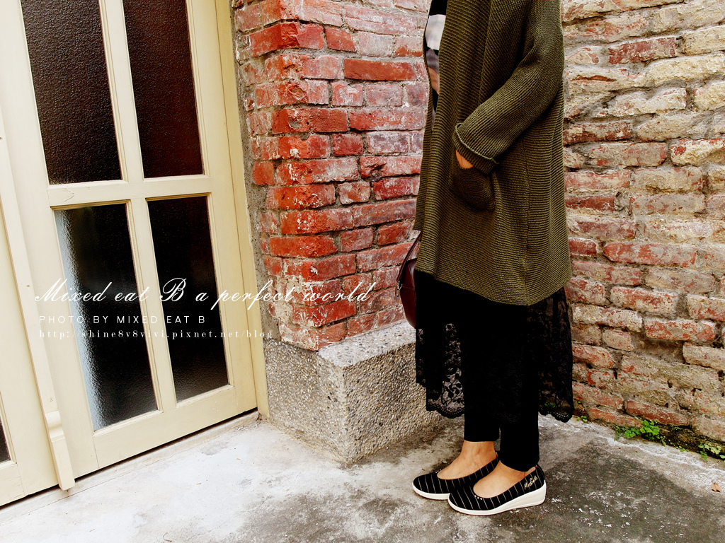 MonaSmile蒙娜微笑_鑽飾條紋厚底娃娃鞋-1-26