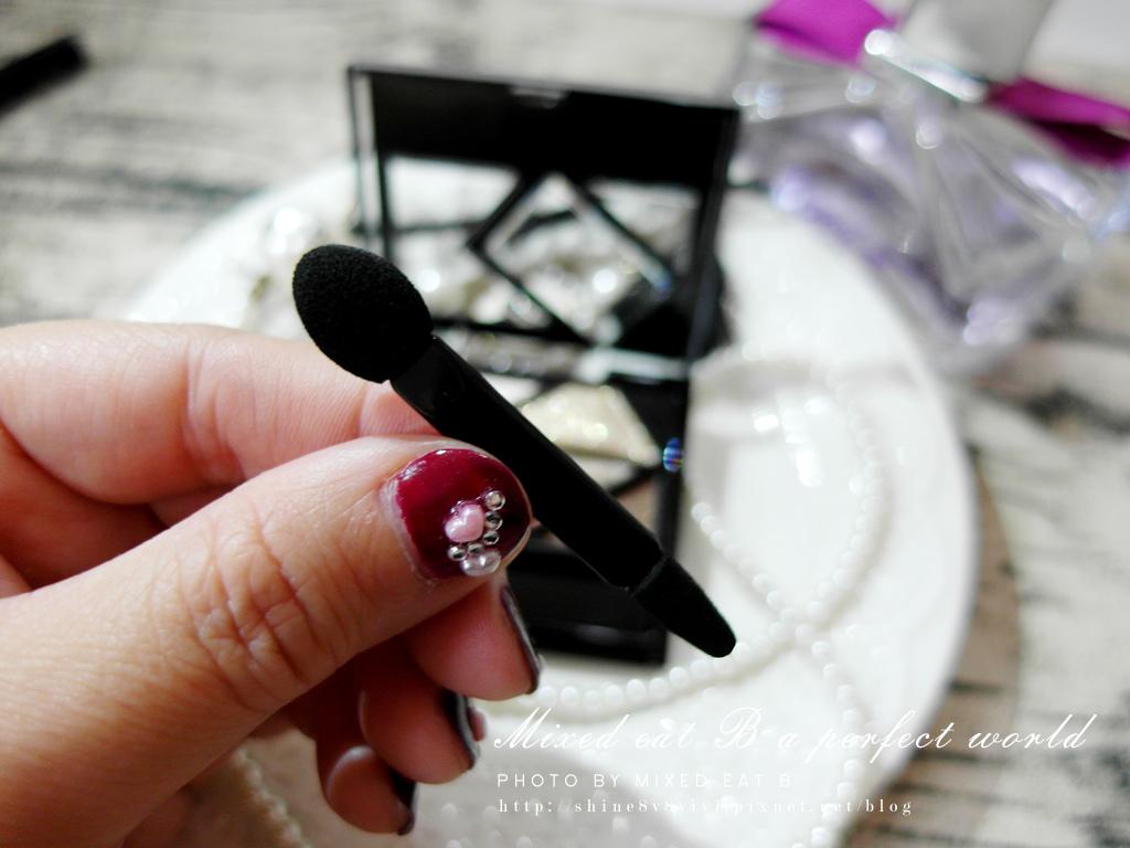 KATE奢光燦媚眼影盒+持久液體眼線筆-1-5