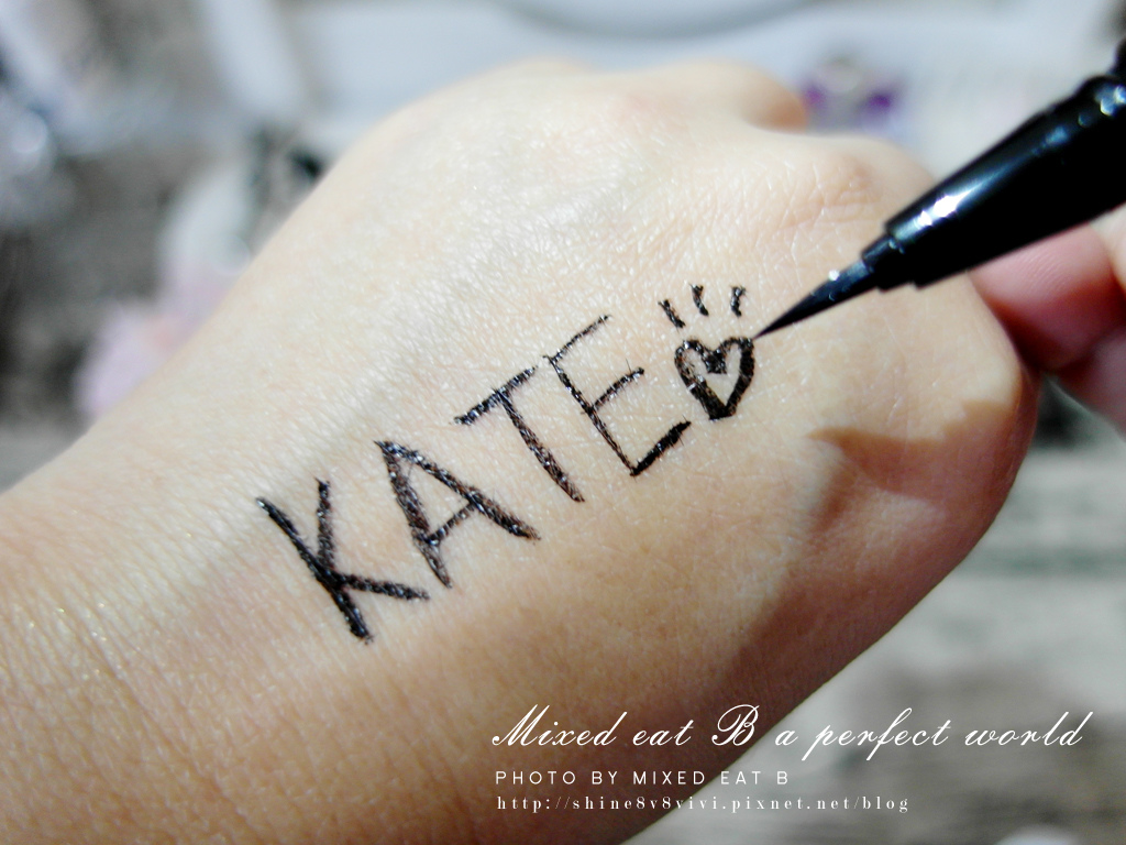 KATE奢光燦媚眼影盒+持久液體眼線筆-1-17