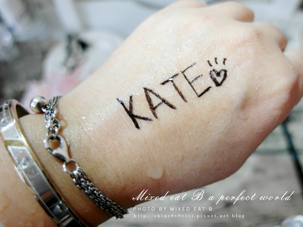 KATE奢光燦媚眼影盒+持久液體眼線筆-1-18